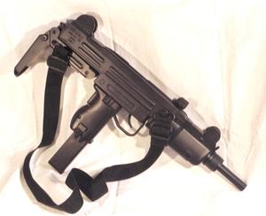 Пистолет-пулемет Узи