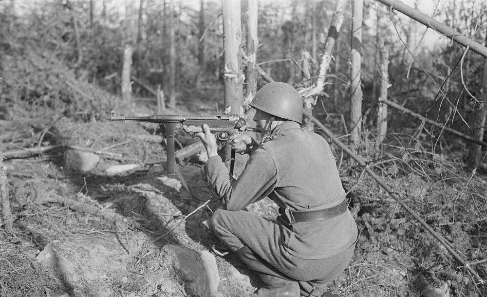 Финский солдат с MP 38/40