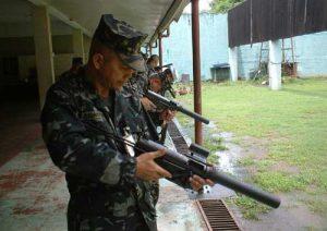 Солдат с пистолетом-пулеметом M3 SpecOps Generation 2