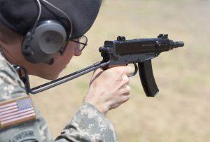 """Пистолет-пулемет """"Скорпион"""" Šcorpion vz. 61 у американского военного"""