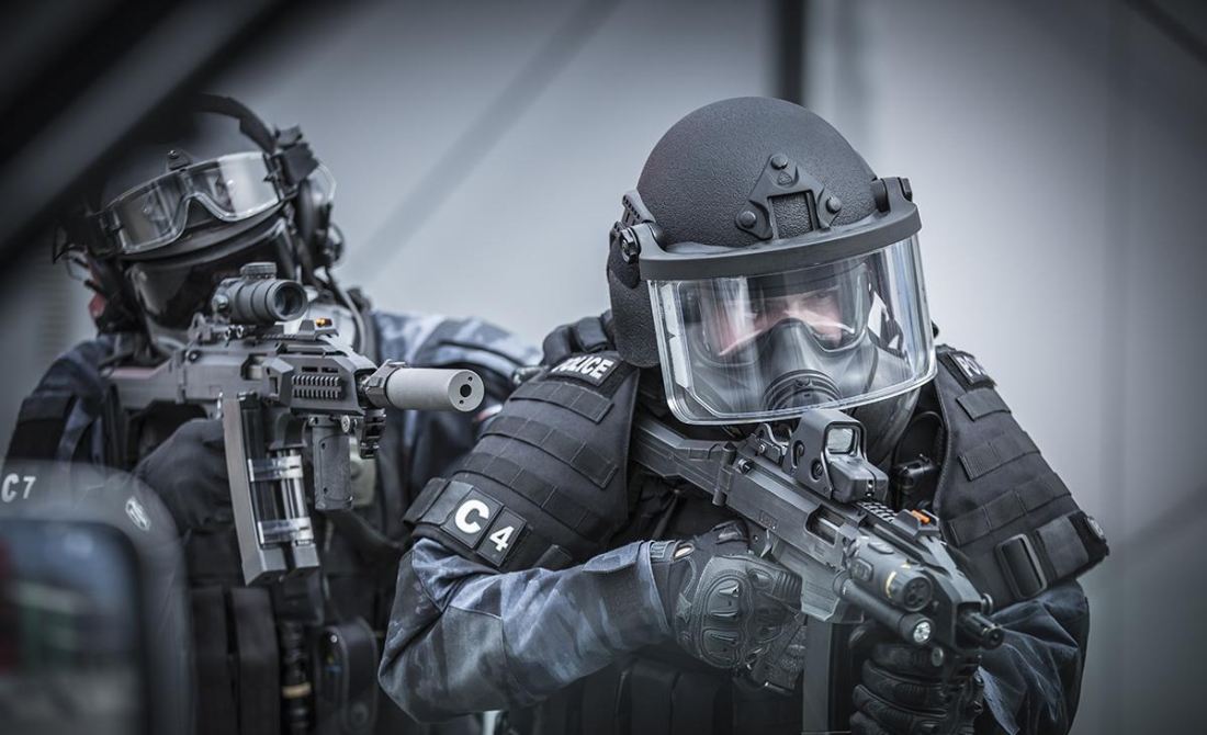 Пистолет-пулемет CZ Scorpion EVO 3 A1 у сил спецназа