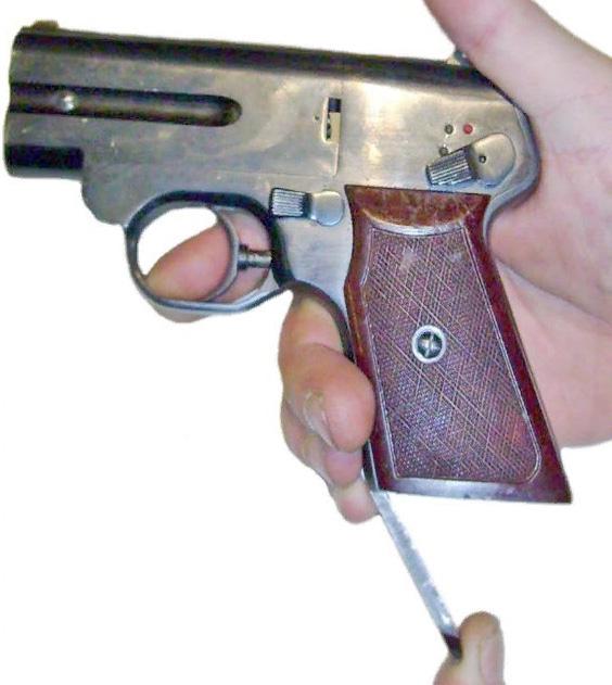 Взведение курков пистолета СМ4